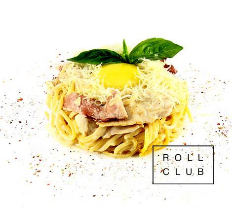Итальянская паста карбонара под сливочным соусом