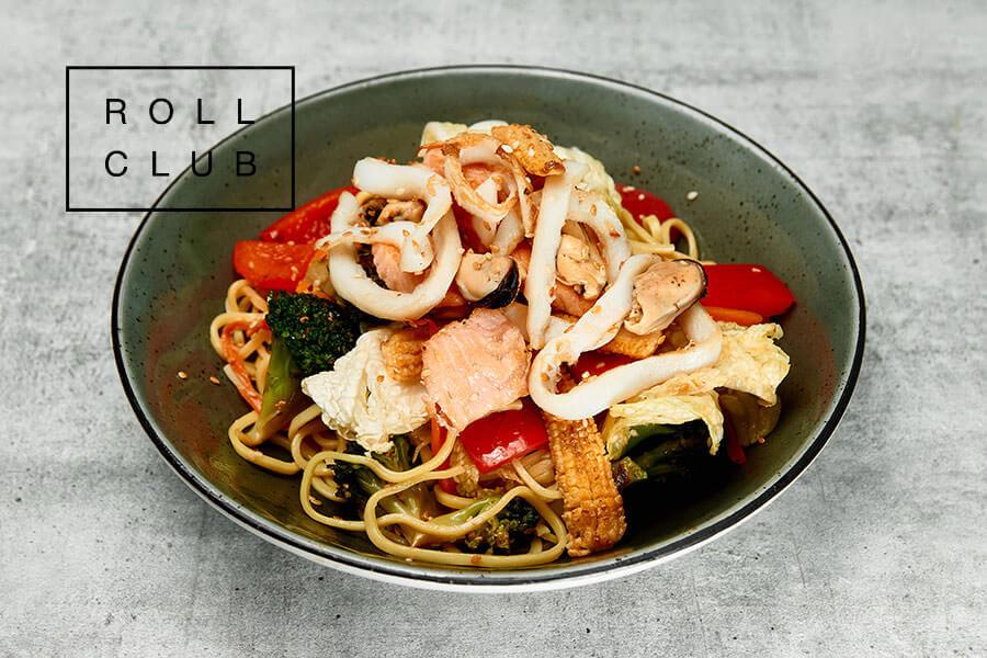 Яичная лапша с морепродуктами и устричным соусом от Roll Club