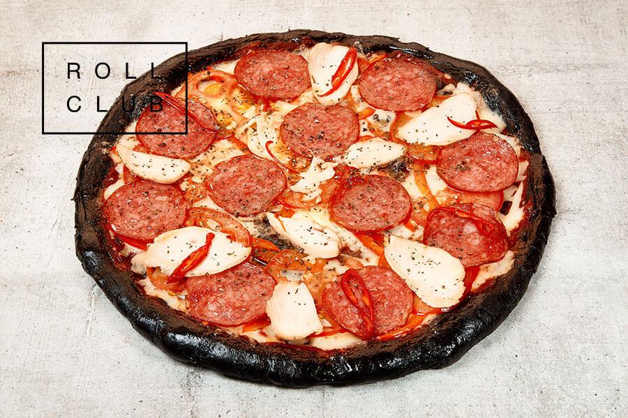 Пицца Чёрная с курицей и салями доставка