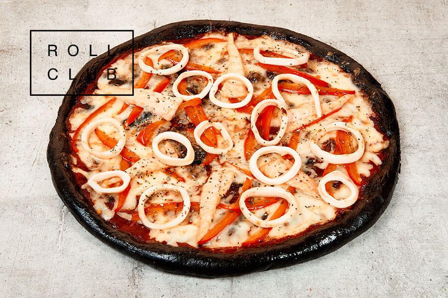 Пицца Чёрная с лососем и кальмаром заказать